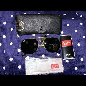 Ray-ban sunglasses !
